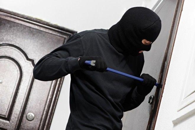 Как защитить свой дом или квартиру от воров?