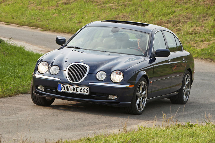 jaguar-s-type-fahrend-729x486-eb1982a7cf812a27