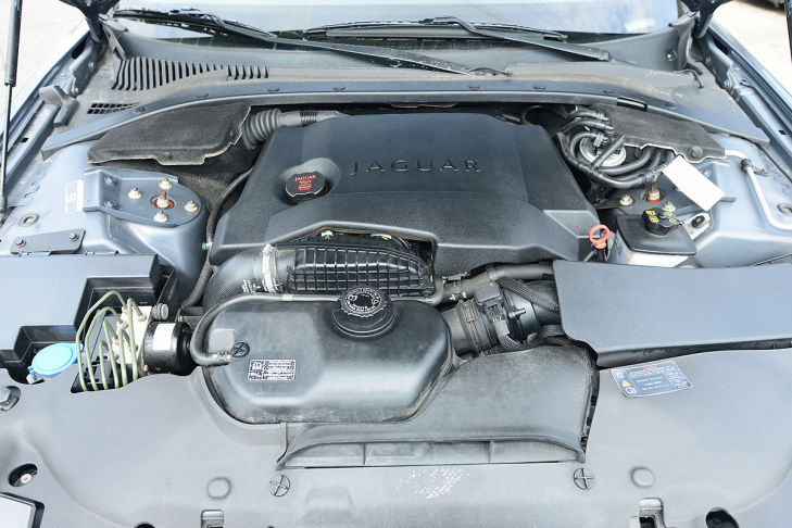 motor-jaguar-s-type-729x486-8f17c87a76ea25f9