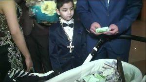 мир цыганской роскоши, крестины цыганского ребенка, подарки, новости, Begemot, begemot.media, Begemotmedia
