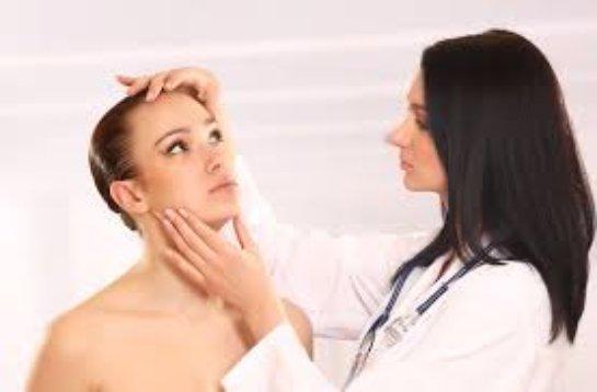 Симптомы и лечение защемления лицевого нерва