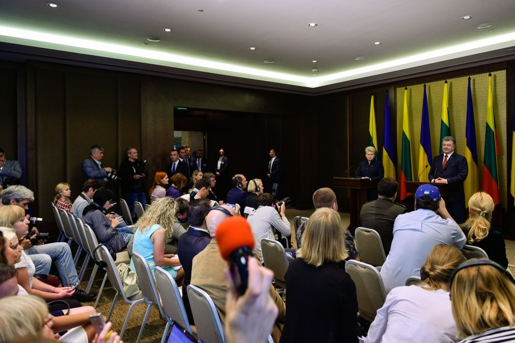 Порошенко встретился с Грибаускайте: ключевые заявления