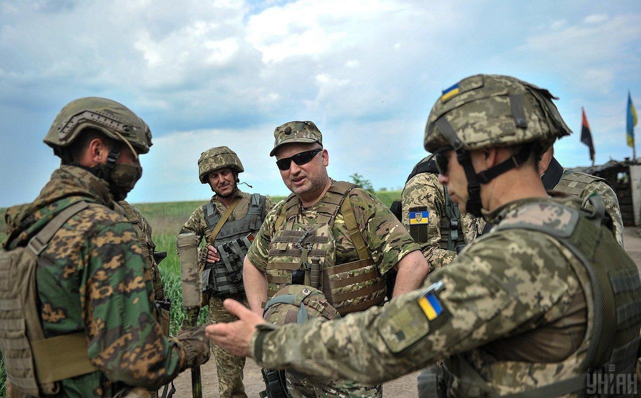 Журналисты узнали, как Турчинов предлагает освобождать Донбасс