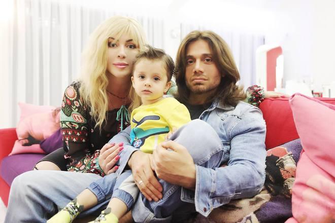 Ирина Билык перестала скрывать от публики своего младшего сына. ФОТО