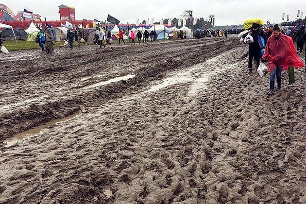 """Фестиваль """"НАШЕствие"""" утонул в грязи"""