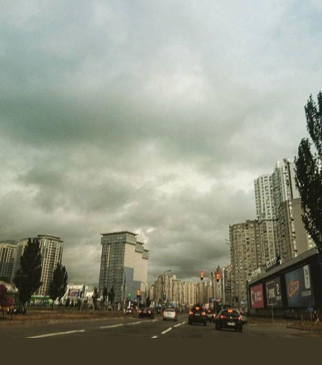 Ужасающие грозовые тучи ошарашили киевлян