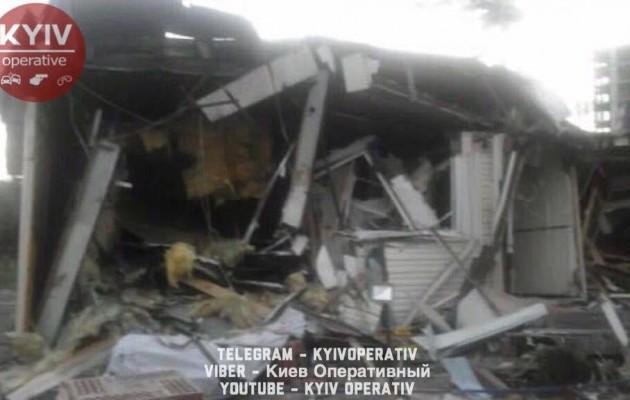 В Киеве «титушки» разгромили кафе с людьми внутри