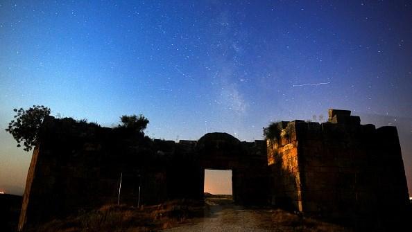 Потрясающее явление: появились первые фото метеоритного дождя Персеиды