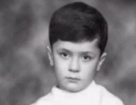 Коли Порошенко під стіл ходив: яскраві фото та факти з дитинства