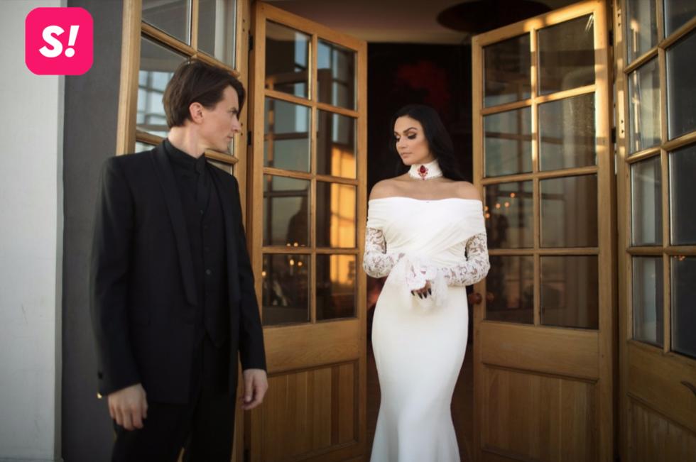 Без белья и с филином: скандальная звезда Дома-2 вышла замуж