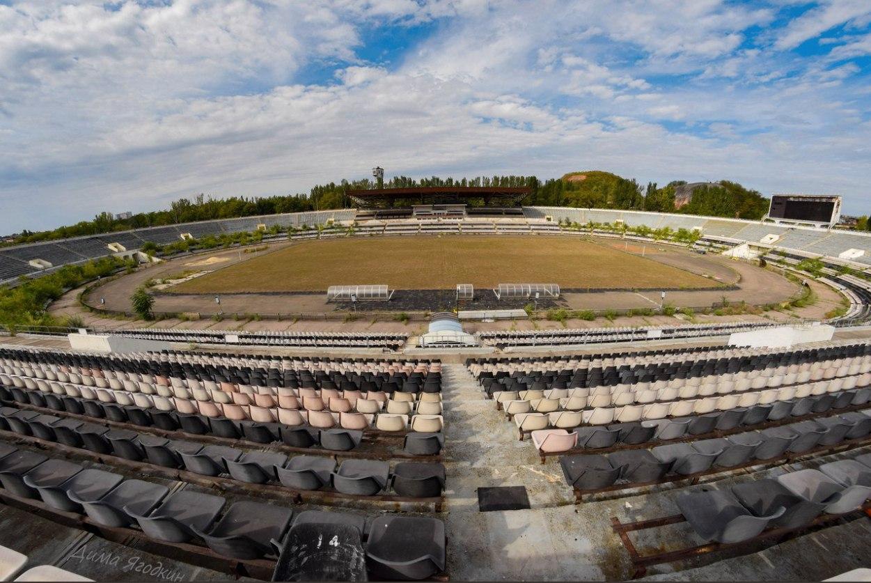 "Джунгли: во что боевики превратили стадион ""Шахтер"" в Донецке"