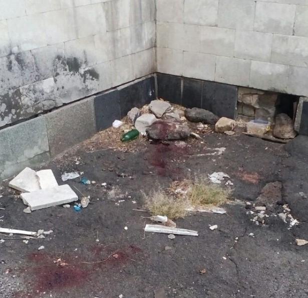 Вибачте мене: під вікнами КПІ калюжі крові і прощальна записка (фото)
