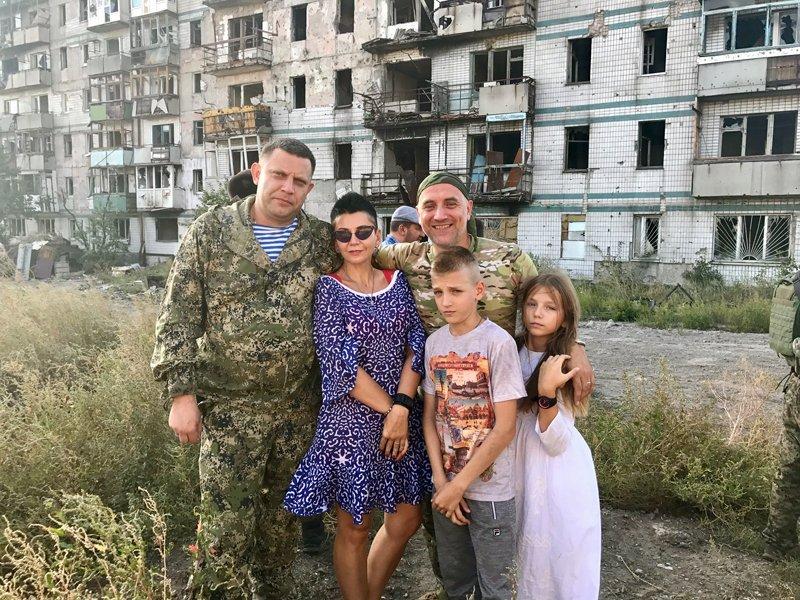 «Освобожденный» Донбасс в одном эпичном фото: боевики показали «расцвет ДНР»