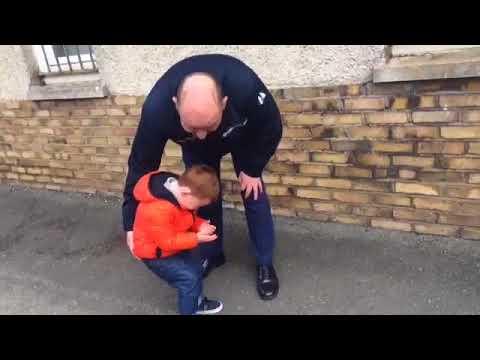 Реакція малюка на повернення татка з війни: це відео розриває серця