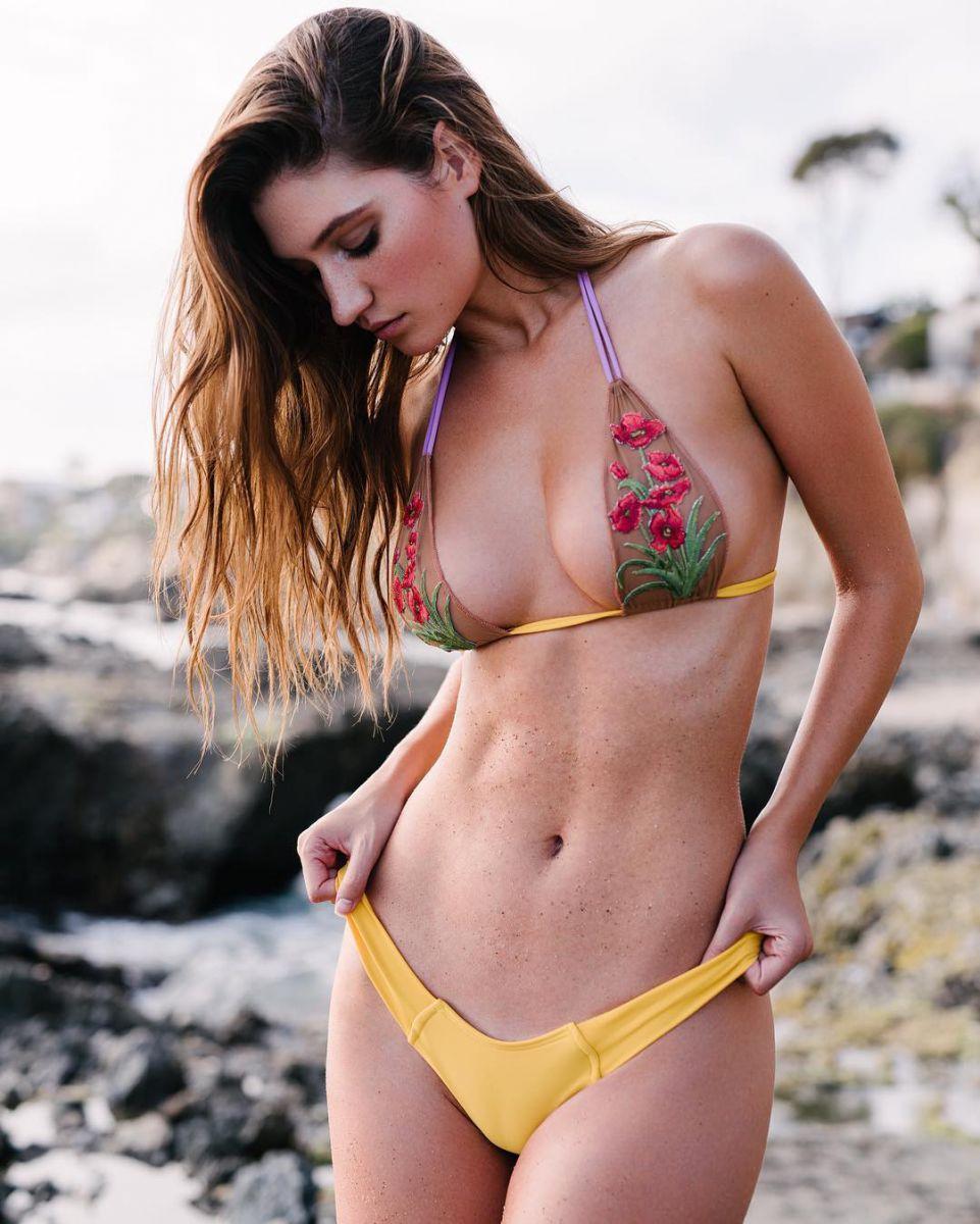 Playboy раздел девушку месяца для новой обложки