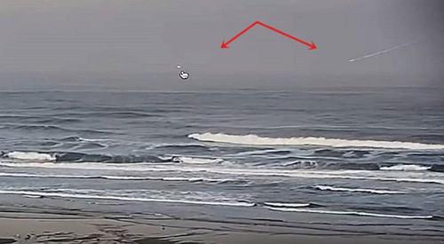 База НЛО на дне Тихого океана: камера зафиксировала погружение загадочного объекта в воду