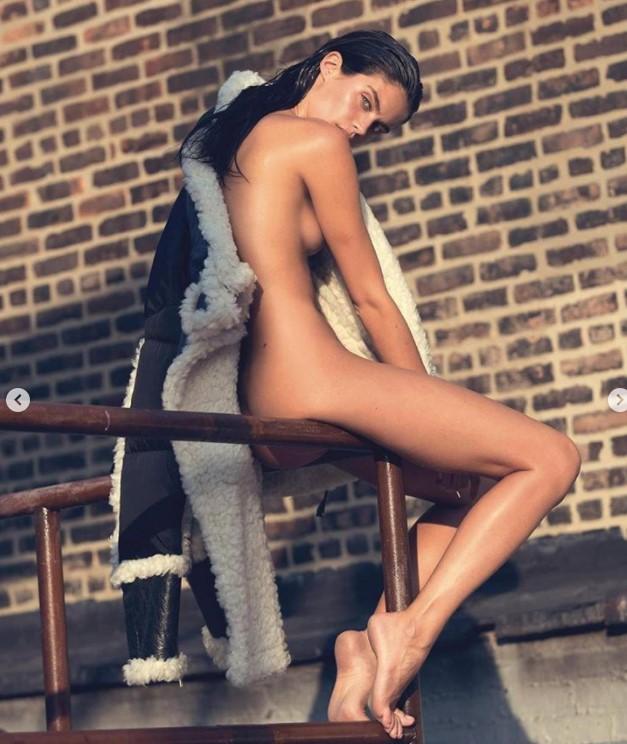 Известная модель обвинила глянец в незаконном использовании своих откровенных фото