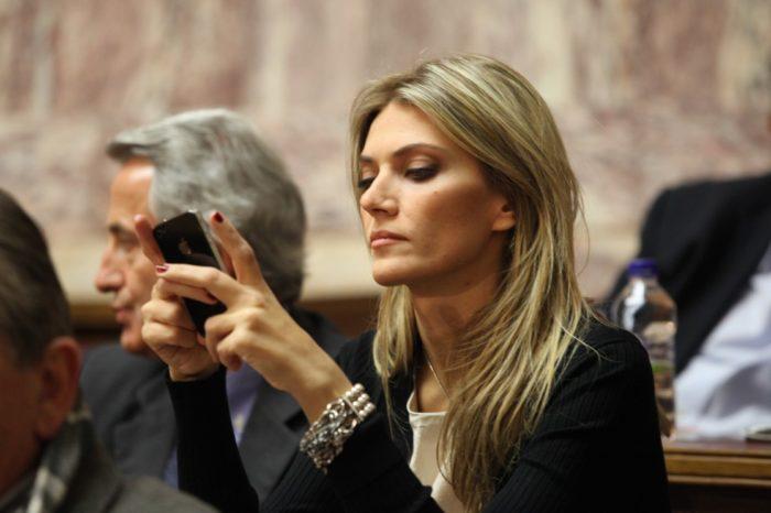 Суворі і звабливі: найспекотніші штучки світової політики