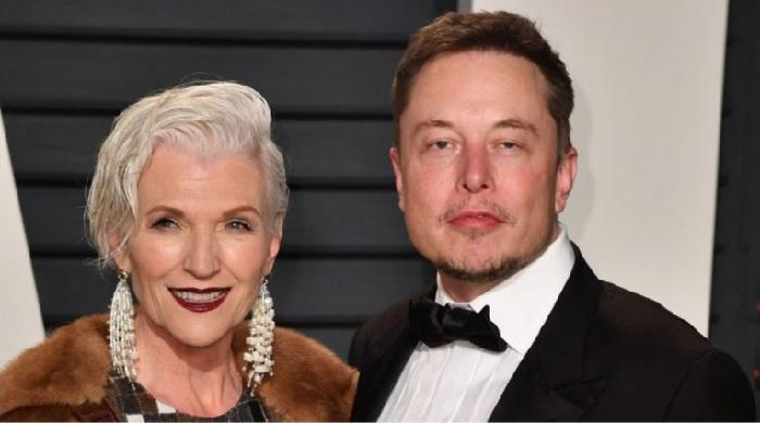 Вот как выглядит мама миллиардера Илона Маска