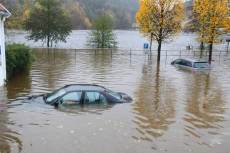 Юг Норвегии затопило, дороги перекрыты
