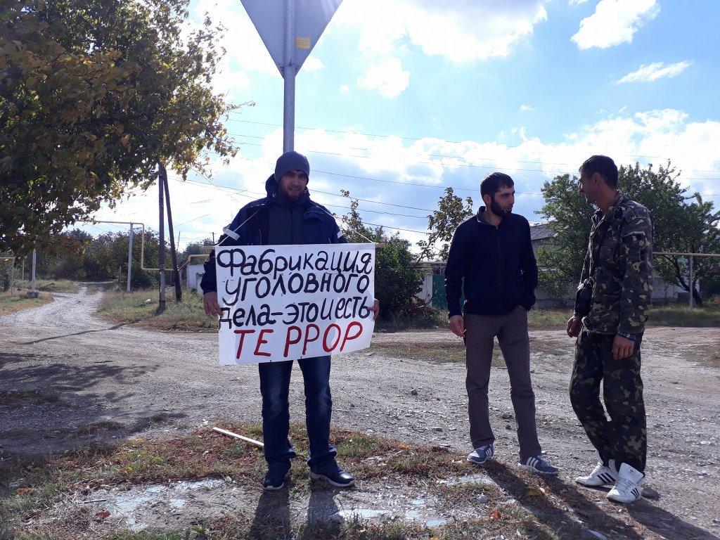 Крым вышел на пикеты: начались задержания. ФОТО