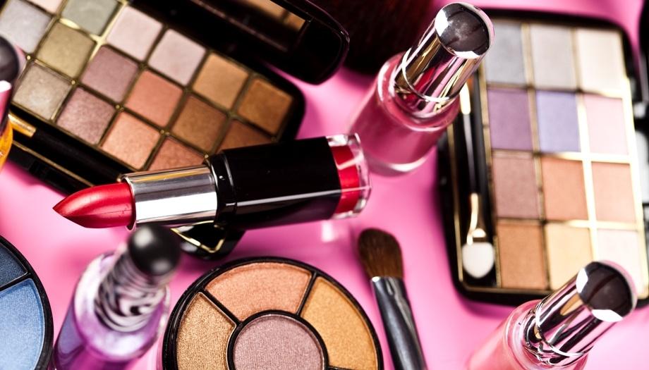 Профессиональная косметика для женской красоты