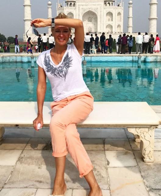«Шикарная женщина»: Олеся Судзиловская продемонстрировала потрясающую фигуру