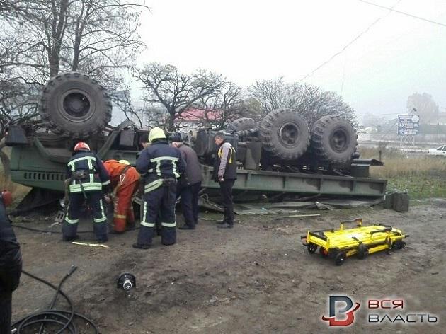 В Запорожье перевернулось авто с военными, есть погибший