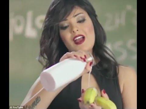 Египетская певица получила два года за откровенный клип