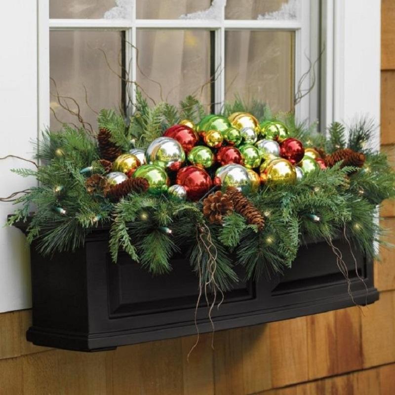 Как украсить дом и двор к Новому году и не потратить лишнего. ФОТО