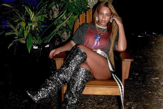 Бейонсе показала роскошные формы в мини-шортах (фото)