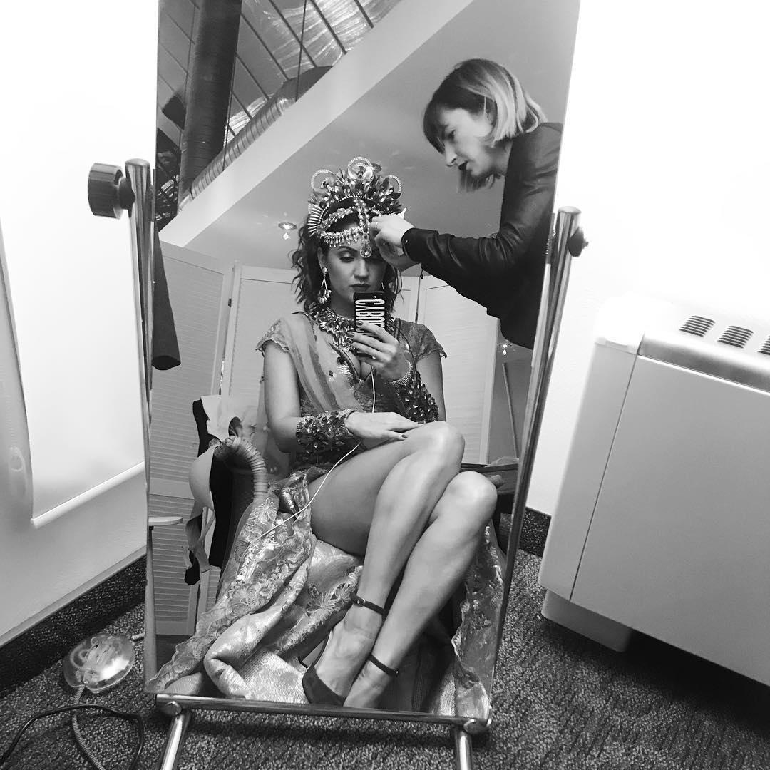 Известная певица и молодая мама шокировала снимками в мини. ФОТО