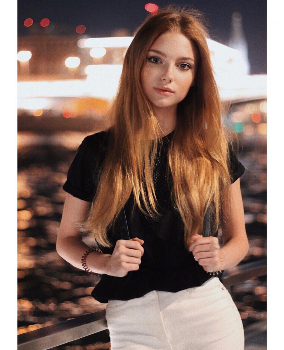 «Дочь» Кристины Орбакайте выросла и превратилась в сногсшибательную красотку