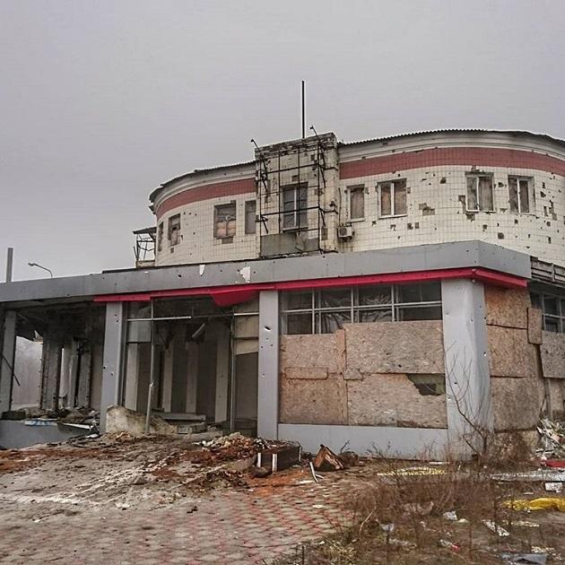 В сеть попали свежие ФОТО разрушений окраин Донецка