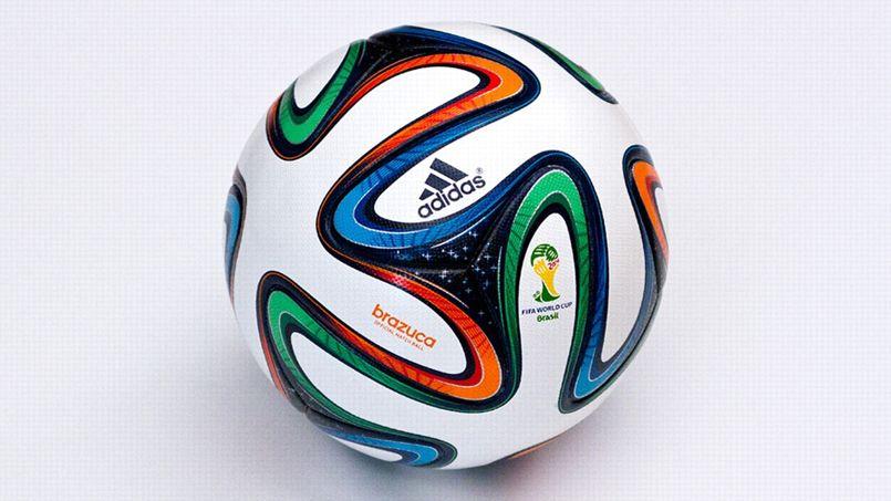 Купить футбольный мяч Адидас