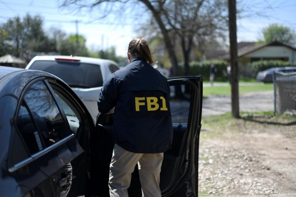В США начали взрываться посылки: погибли 2 человека