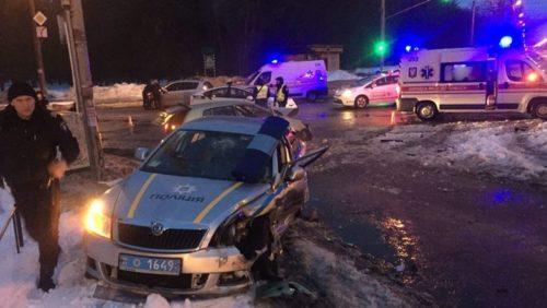 В украинских городах устроили «охоту» на полицейских, есть пострадавшие