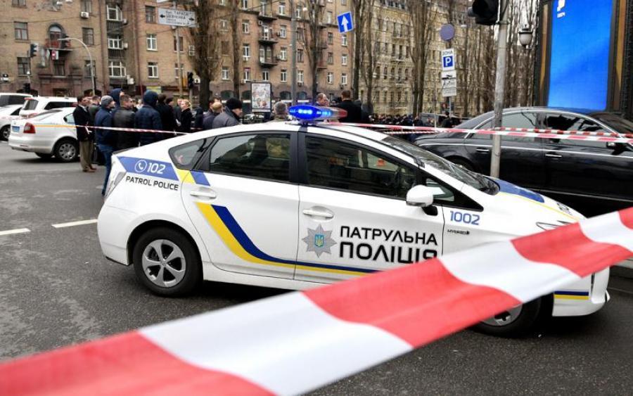 Кровавый ад: украинку убило колесом прямо на остановке