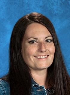 Голые фото, травка, интим: распутная учительница надругалась над школьником
