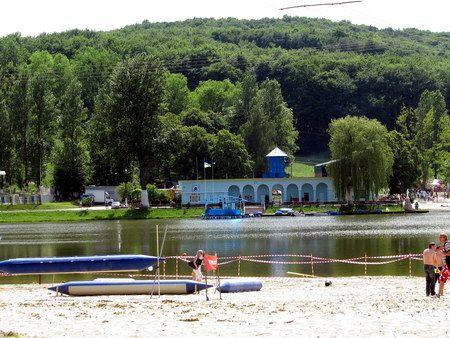 В Украине «ушло» под землю целое озеро. ФОТО