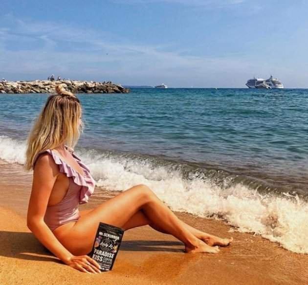Леся Никитюк порадовала поклонников фото в откровенном купальнике
