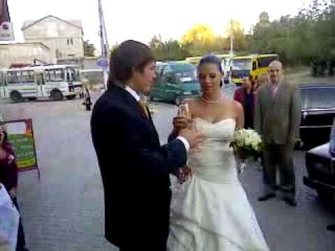 В сети выложили редкое ВИДЕО со свадьбы Усика
