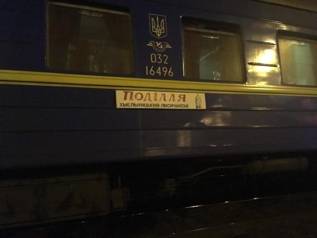 Біля великого ТРЦ у Києві сталася трагедія: є загиблі, кадри з місця НП