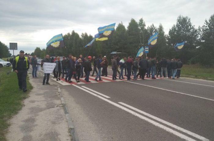 Львовские шахтеры перекрыли международную трассу: известны требования горняков