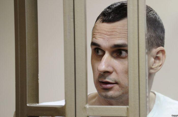 Мать Сенцова обратилась к Путину с просьбой о помиловании сына