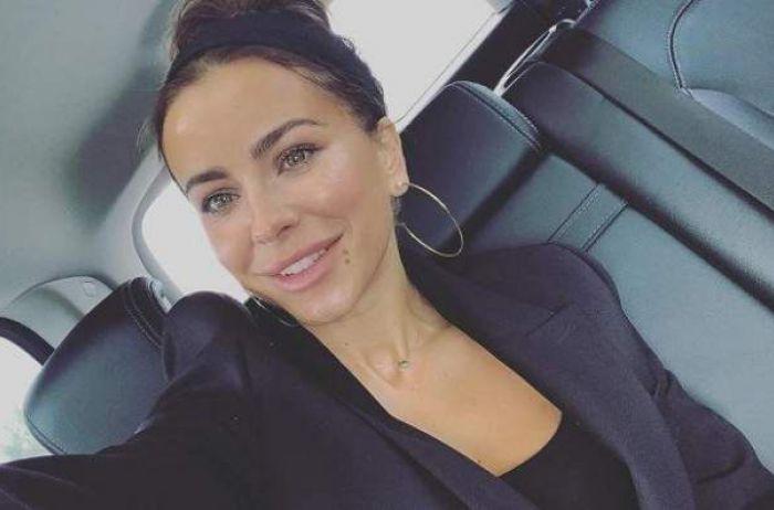 «Лицо опухшее»: Ани Лорак разочаровала поклонников новым селфи
