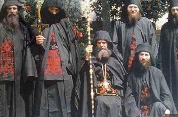 Возрождение и распад: афонские старцы рассказали, что ждет Украину и Россию
