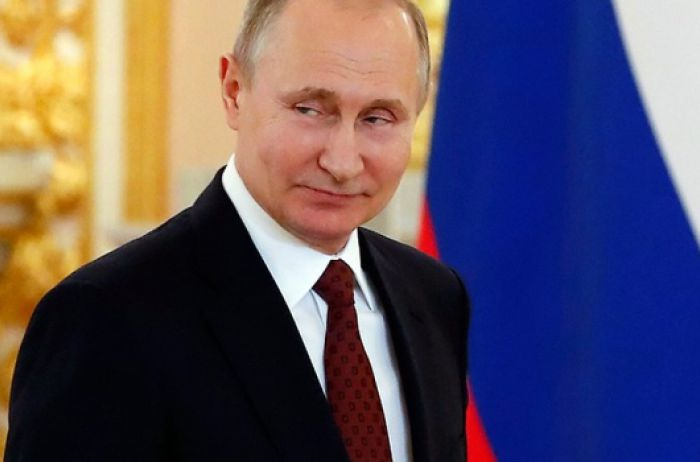 Путин готов освободить политзаключенных в обмен на снятие санкций с РФ
