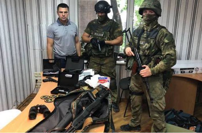 В Одессе серьезно вооруженные люди захватили предприятие