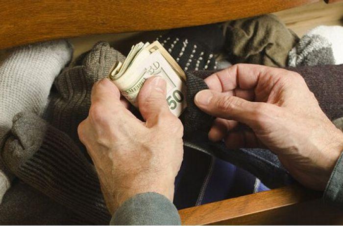 Где хранить деньги, чтобы их не нашли воры: результат эксперимента